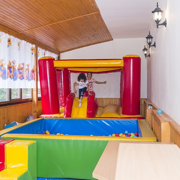 Elina Hotel - Pamporovo / Children Activities