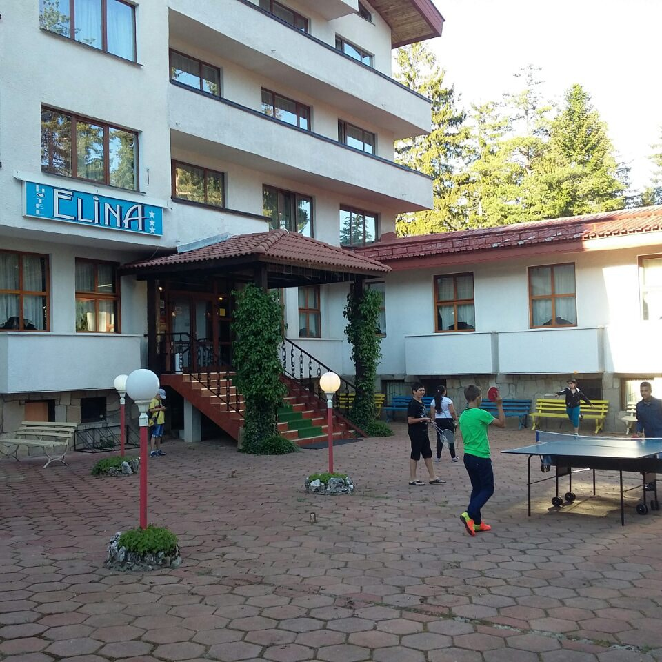 Elina Hotel - Pamporovo / Green & White schools